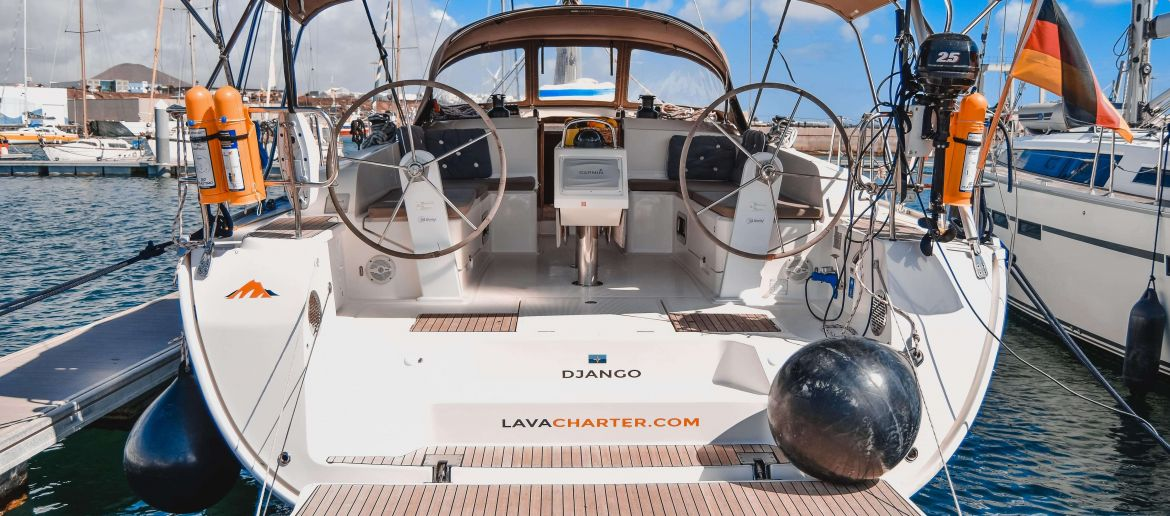 Lava charter barcos
